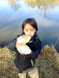 Daniel found a huge clam shell on the water's edge.